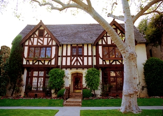 Tudor apartment, los angeles apartment, sycamore avenue apartment