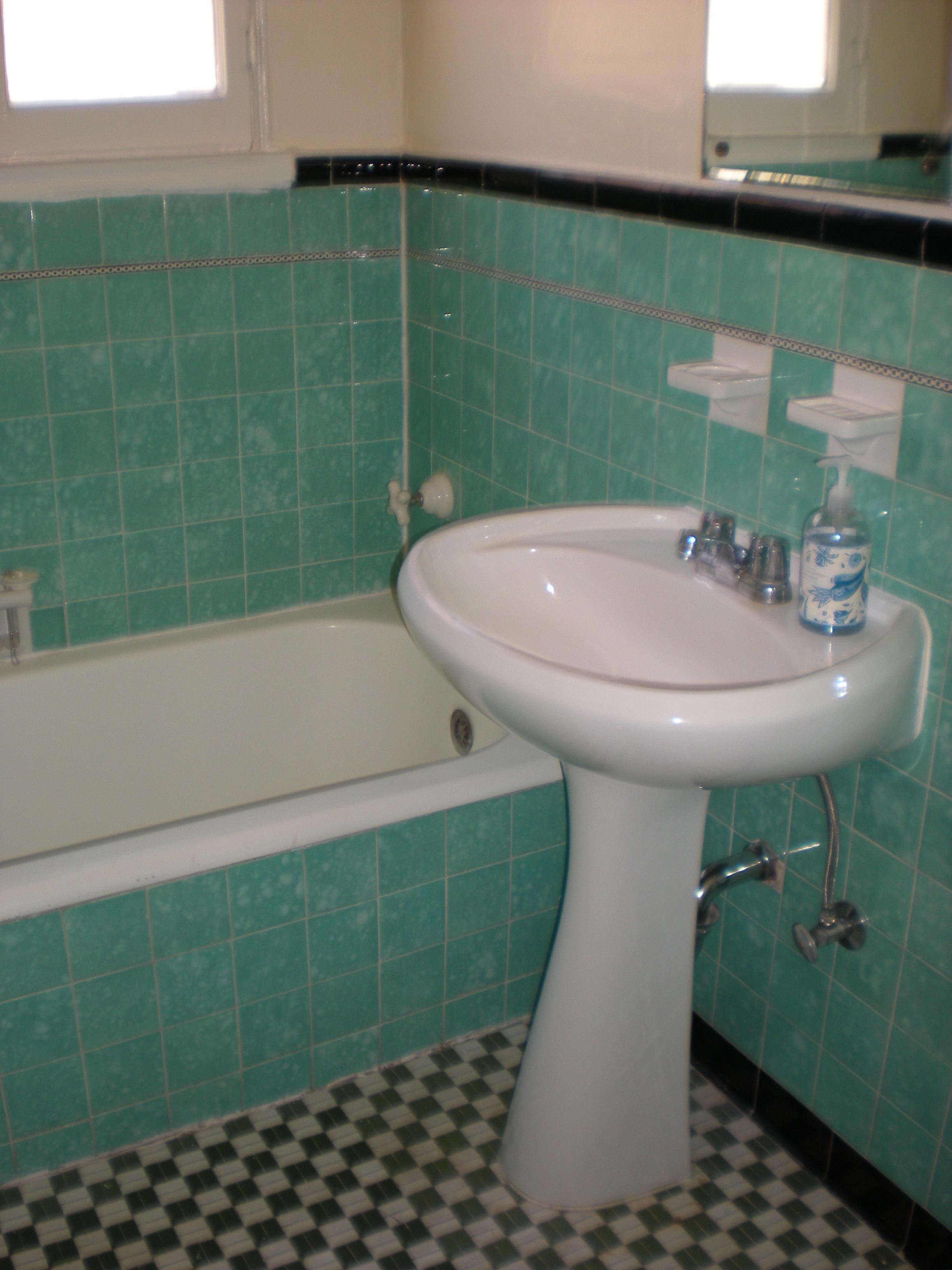 Available apartments 187 stanley avenue apartment art deco bathroom