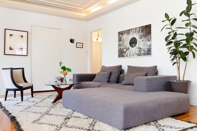 The Mauretania Historic Art Deco Living Room 1 |